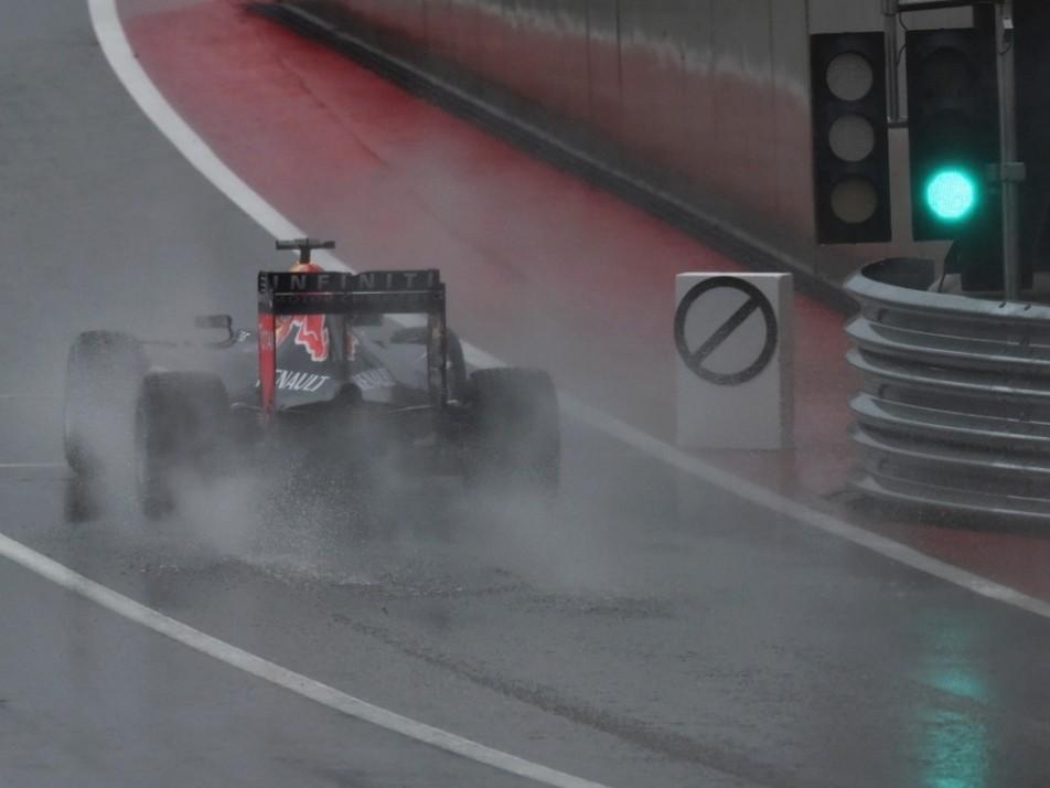 Ricciardo got FP3 underway