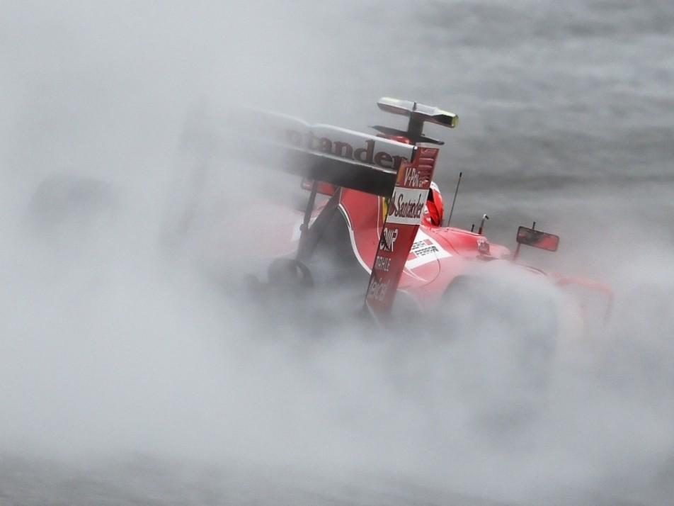 Kimi in the rain