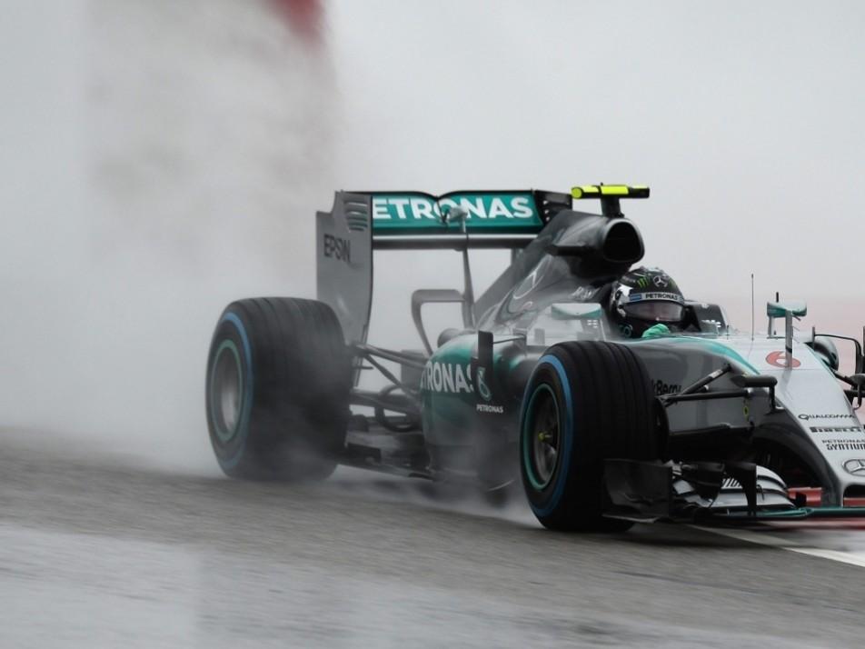 Rosberg clocks up the mileage