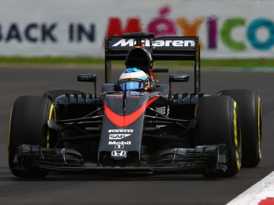 Alonso puts in the laps