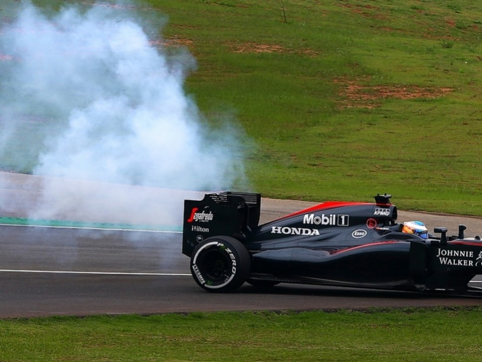 Smoking end to Alonso's day