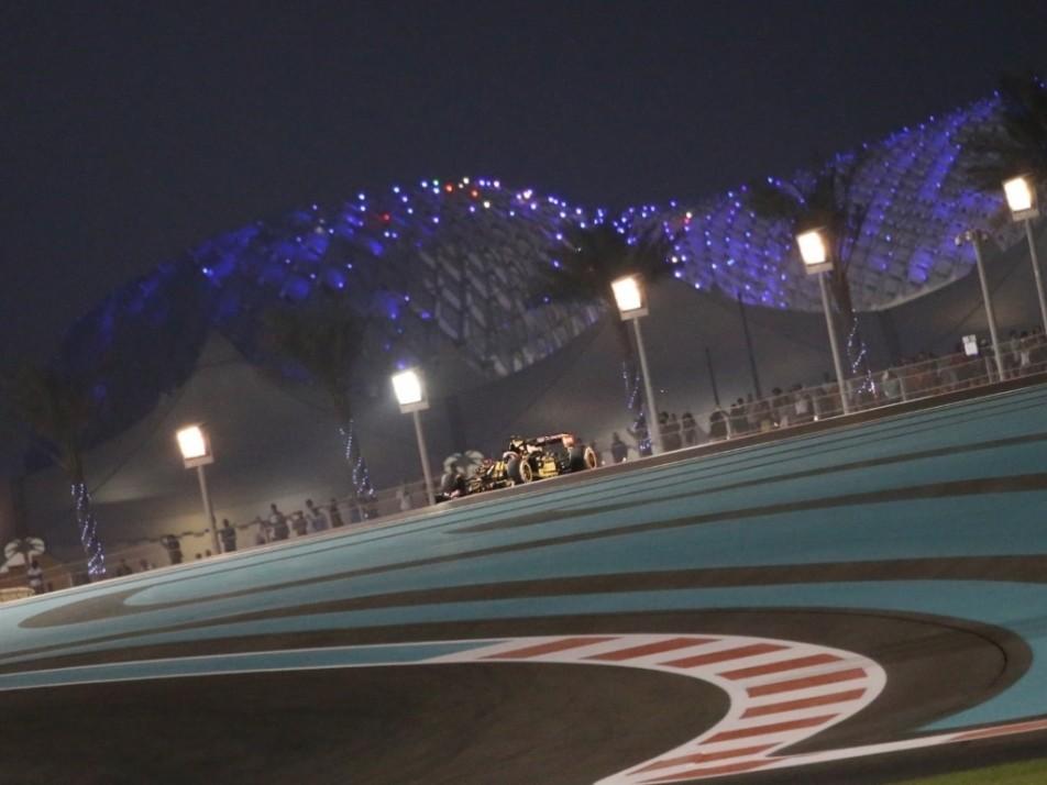 Grosjean under lights