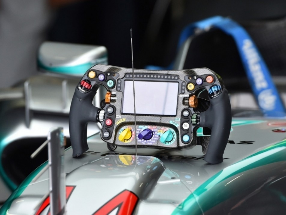A closer look at the Mercedes steering wheel