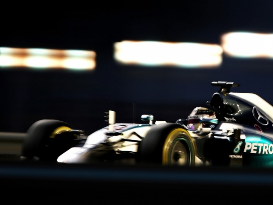 Hamilton tried for a long middle stint on the softs