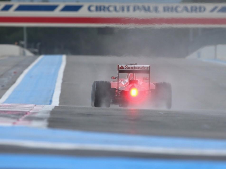 Vettel, Kvyat and Vandoorne tested wet compounds