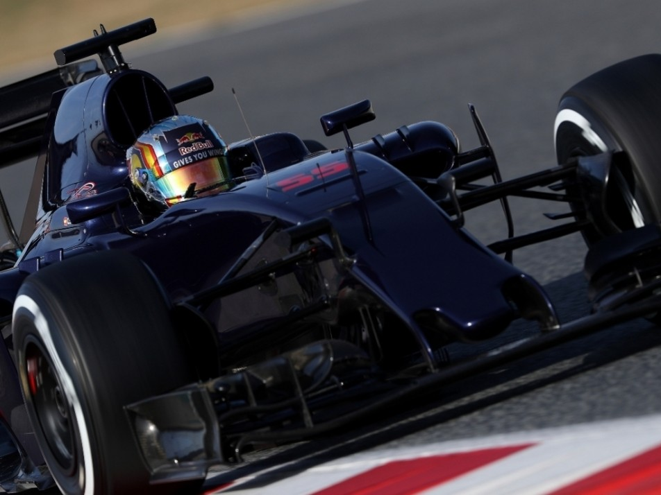 Carlos Sainz in his livery-less STR11