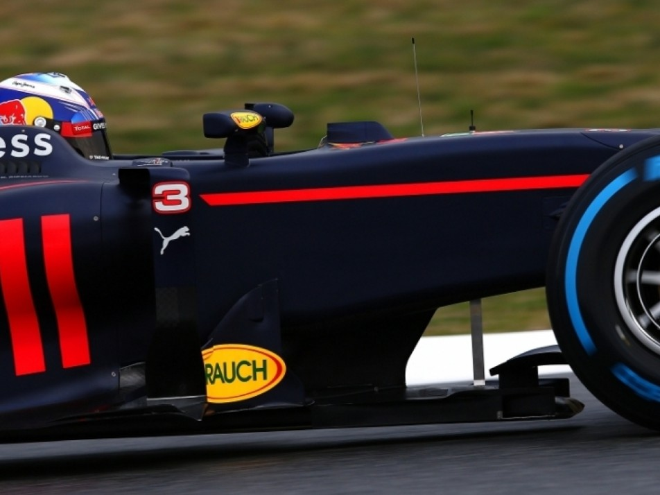 Side view of Ricciardo in his new RB 12