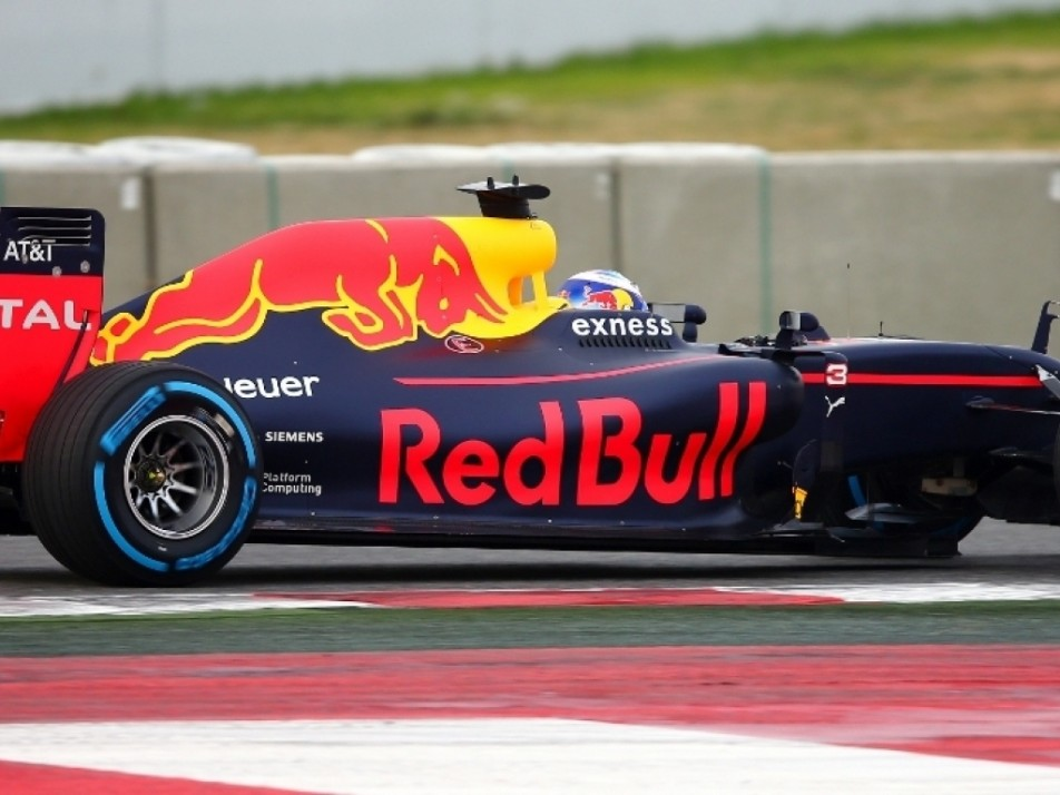 Ricciardo showing off the Red Bull