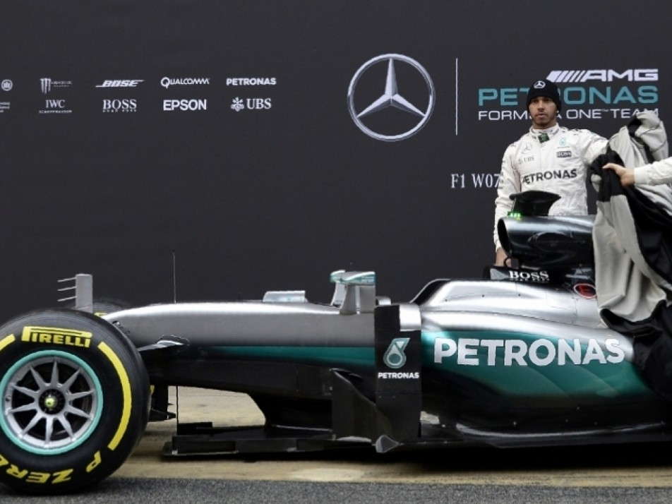 Rosberg and Hamilton getting ready for testing