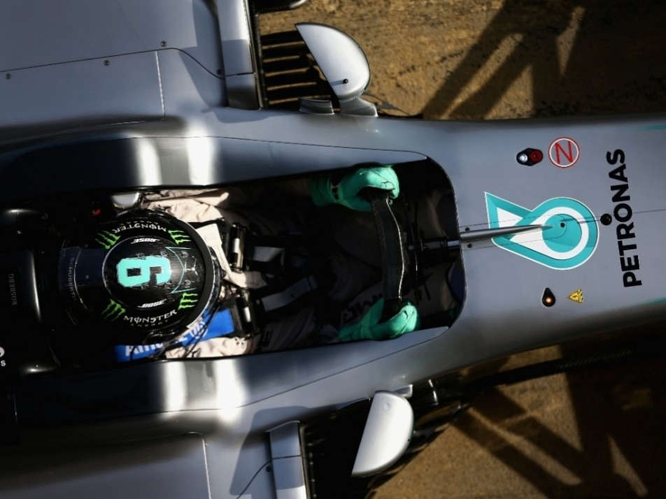 An aerial view of Rosberg in his W07