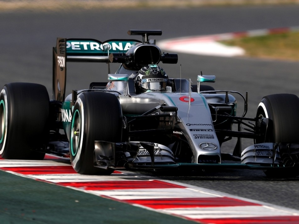 Merc responded to massive mileage by splitting Day 3, Nico got the morning