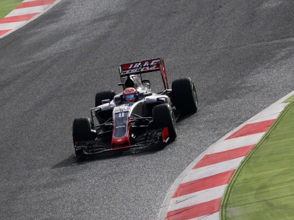 Grosjean out on the testing track