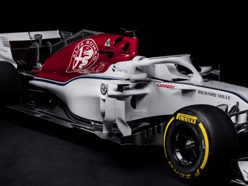 sauber unveil the alfa romeo branded c37 planetf1. Black Bedroom Furniture Sets. Home Design Ideas